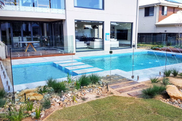 glass pool fencing brisbane
